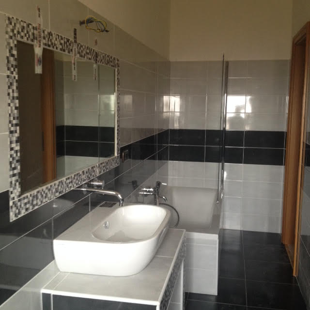 Costo idraulico rifacimento bagno for Rifacimento bagno costi